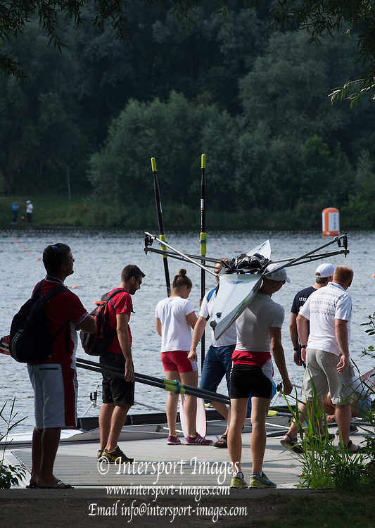 Hamburg. GERMANY. Crew waiting to boat at the FISA Junior World Championships.  10:58:57  Tuesday  05/08/2014  [Mandatory Credit; Peter Spurrier/Intersport-images]
