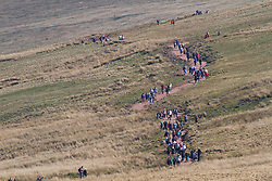 © London News Pictures. Brecon Beacons, UK. 8/04/2017.  Hundreds of people climb Pen-Y-Fan during the continued warm weather this morning. Photo credit: Andrew Bartlett/LNP