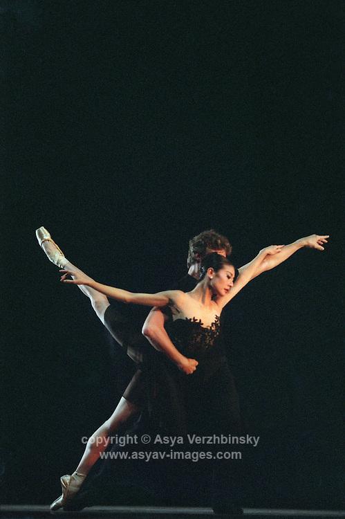 "San Francisco Ballet's Yuan Yuan Tan and Yuri Possokhov in Helgi Thomasson's ""7 for Eight"""