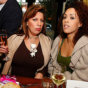 NLD/Laren/20091123 - Start Nannic Cosmetica, Esther Oosterbeek en Glennis Grace