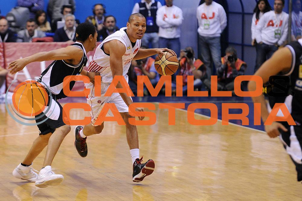 DESCRIZIONE : Milano Lega A 2009-10 Armani Jeans Milano Carife Ferrara<br /> GIOCATORE : Alex Acker<br /> SQUADRA : Armani Jeans Milano<br /> EVENTO : Campionato Lega A 2009-2010<br /> GARA : Armani Jeans Milano Carife Ferrara<br /> DATA : 18/10/2009<br /> CATEGORIA : Palleggio<br /> SPORT : Pallacanestro<br /> AUTORE : Agenzia Ciamillo-Castoria/A.Dealberto