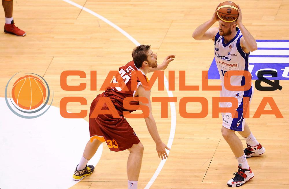 DESCRIZIONE : Milano Coppa Italia Final Eight 2013 Ottavi di Finale Pallacanestro Cantu' Acea Roma<br /> GIOCATORE : Maarten Leunen<br /> CATEGORIA : Tecnica<br /> SQUADRA : Pallacanestro Cantu' <br /> EVENTO : Beko Coppa Italia Final Eight 2013<br /> GARA : Pallacanestro Cantu' Acea Roma<br /> DATA : 07/02/2013<br /> SPORT : Pallacanestro<br /> AUTORE : Agenzia Ciamillo-Castoria/A.Giberti<br /> Galleria : Lega Basket Final Eight Coppa Italia 2013<br /> Fotonotizia : Milano Coppa Italia Final Eight 2013 Ottavi di Finale Pallacanestro Cantu' Acea Roma<br /> Predefinita :
