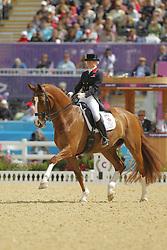 Bechtolsheimer, Laura, Mistral Hojris<br /> London - Olympische Spiele 2012<br /> <br /> Dressur Grand Prix de Dressage<br /> © www.sportfotos-lafrentz.de/Stefan Lafrentz
