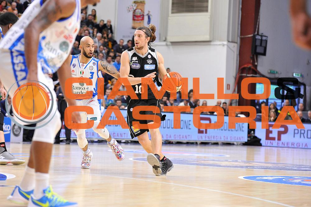 DESCRIZIONE : Campionato 2015/16 Serie A Beko Dinamo Banco di Sardegna Sassari - Dolomiti Energia Trento<br /> GIOCATORE : Toto Forray<br /> CATEGORIA : Palleggio<br /> SQUADRA : Dolomiti Energia Trento<br /> EVENTO : LegaBasket Serie A Beko 2015/2016<br /> GARA : Dinamo Banco di Sardegna Sassari - Dolomiti Energia Trento<br /> DATA : 06/12/2015<br /> SPORT : Pallacanestro <br /> AUTORE : Agenzia Ciamillo-Castoria/C.Atzori
