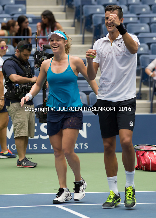 LAURA SIEGEMUND (GER) und MATE PAVIC (CRO) jubeln nach ihrem Sieg,Jubel,Freude,Emotion, Mixed Doubles Final<br /> <br /> Tennis - US Open 2016 - Grand Slam ITF / ATP / WTA -  USTA Billie Jean King National Tennis Center - New York - New York - USA  - 9 September 2016.