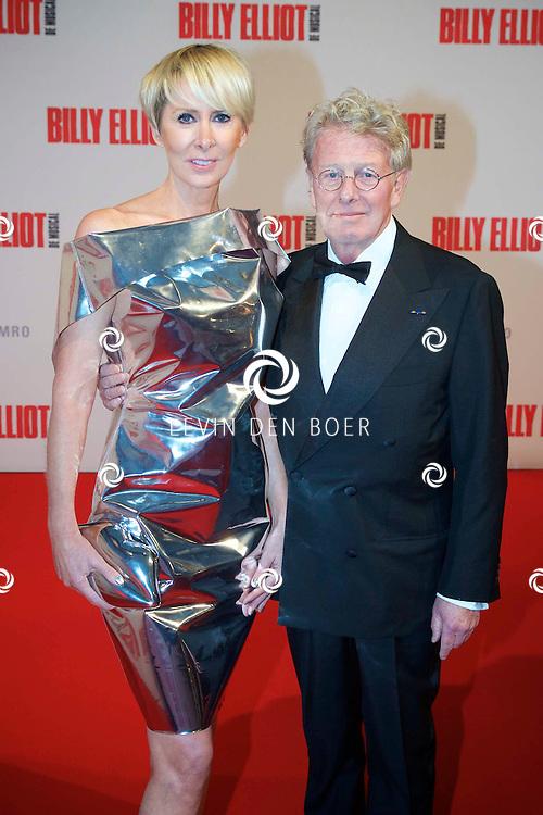 DEN HAAG - In het Afas Theater is de Nederlandse Premiere van Billy Eliot. Met hier op de foto  Jan en Monique des Bouvrie. FOTO LEVIN DEN BOER - PERSFOTO.NU