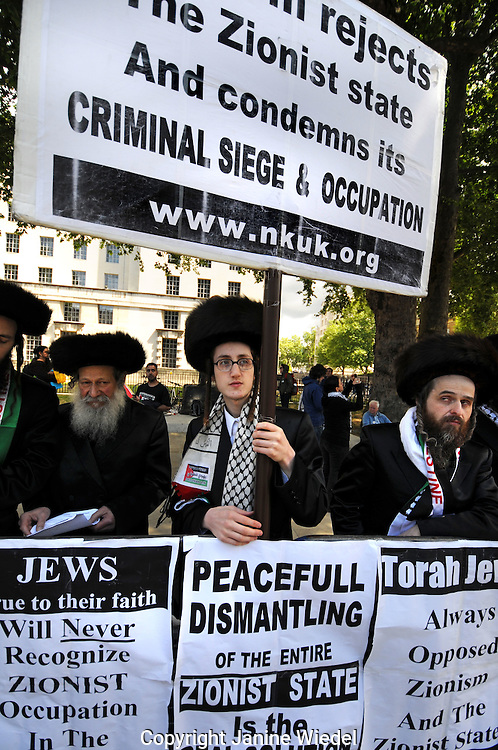 The Neturei Karta are a jewish group opposed to the Zionist state and occupation of Palestine