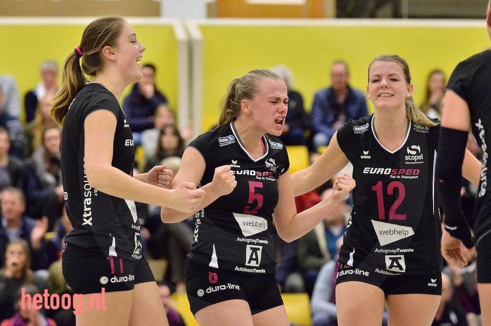 Nederland, Almelo 11jan2017 regionaal en zwaar beladen prestigeduel volleybalvrouwgiganten Eurosped (zwart) en Set Up'65 (oranje)(bekerwedstrijd) in de sporthal ISPAA te Almelo Eurosped wint na vier sets met 3-1 2(5-22 in de vierde set)