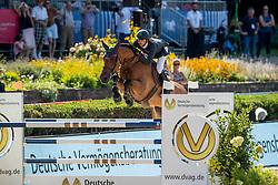 MODOLO ZANOTELLI, Marlon (BRA), Koddac van het Indihof<br /> Berlin - Global Jumping Berlin 2019<br /> CSI5* - Preis der Deutsche Vermögensberatung AG - DVAG<br /> GCL Team-Wettbewerb, 1. Runde <br /> Springprüfung nach Strafpunkten und Zeit für Teams und Einzelreiter, international<br /> 26. Juli 2019<br /> © www.sportfotos-lafrentz.de/Stefan Lafrentz