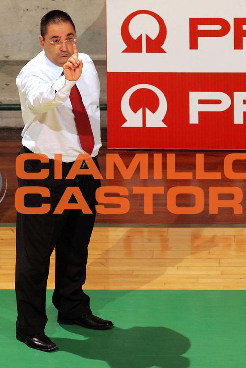 DESCRIZIONE : SIENA CAMPIONATO LEGA A1 2005-2006 <br /> GIOCATORE : GIULIANI <br /> SQUADRA : AVELLINO <br /> EVENTO : CAMPIONATO LEGA A1 2005-2006 <br /> GARA : SIENA-AVELLINO  <br /> DATA : 16/10/2005 <br /> CATEGORIA : <br /> SPORT : Pallacanestro <br /> AUTORE : Agenzia Ciamillo-Castoria/P.Lazzeroni