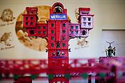 """Detail der """"Eisernen Stadt"""" von Jules Verne auf 50 Quadratmeter, bestehend aus Millionen von Einzelteilen.   Ausstellungsbereich des Merkur Museums in Police nad Metuji."""