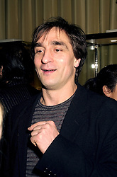 Leading ballet dancer IREK MUKHAMEDOV at a reception in London on 13th November 2000.OIZ 26