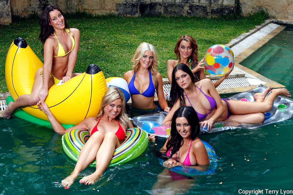 6 girl pool shoot, Renee Ashley, Vanessa Jane Carley, Jacey Brown, Taryn Fencl, Krystal Dawson, Terry Lyon