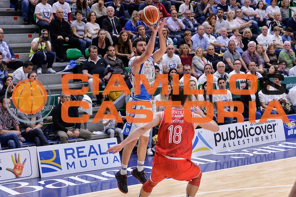 DESCRIZIONE : Beko Legabasket Serie A 2015- 2016 Playoff Quarti di Finale Gara3 Dinamo Banco di Sardegna Sassari - Grissin Bon Reggio Emilia<br /> GIOCATORE : Lorenzo D'Ercole<br /> CATEGORIA : Tiro Tre Punti Three Point<br /> SQUADRA : Dinamo Banco di Sardegna Sassari<br /> EVENTO : Beko Legabasket Serie A 2015-2016 Playoff<br /> GARA : Quarti di Finale Gara3 Dinamo Banco di Sardegna Sassari - Grissin Bon Reggio Emilia<br /> DATA : 11/05/2016<br /> SPORT : Pallacanestro <br /> AUTORE : Agenzia Ciamillo-Castoria/L.Canu