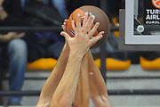 DESCRIZIONE : Desio Eurolega 2011-12 EA7 Bennet Cantu Bizkaia Bilbao Basket<br /> GIOCATORE : mani<br /> CATEGORIA : mani<br /> SQUADRA : Bennet Cantu izkaia Bilbao Basket<br /> EVENTO : Eurolega 2011-2012<br /> GARA : Bennet Cantu Bizkaia Bilbao Basket<br /> DATA : 03/11/2011<br /> SPORT : Pallacanestro <br /> AUTORE : Agenzia Ciamillo-Castoria/GiulioCiamillo<br /> Galleria : Eurolega 2011-2012<br /> Fotonotizia : Desio Eurolega 2011-12 Bennet Cantu Bizkaia Bilbao Basket<br /> Predefinita :