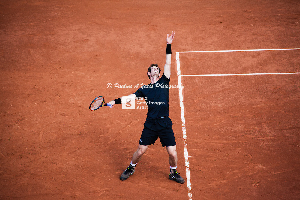 Andy Murray serves in his opening match at Roland Garros in 2015.