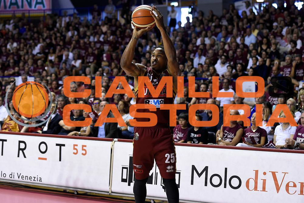 Tyrus McGee<br /> Umana Reyer Venezia - Dolomiti Energia Aquila Basket Trento<br /> Lega Basket Serie A 2016/2017<br /> Playoff, finale gara 5<br /> Venezia, 18/06/2017<br /> Foto M.Ceretti / Ciamillo-Castoria
