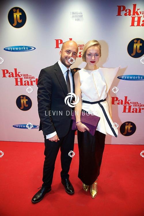 HILVERSUM - In de nieuwe JT Bioscoop is de eerste film 'Pak van mijn Hart' in premiere gegaan. Met hier op de foto  Jon Karthaus met partner Carolien Spoor. FOTO LEVIN DEN BOER - PERSFOTO.NU