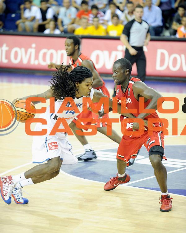 DESCRIZIONE : Championnat Du Monde 2010 Turquie Izmir Tour Preliminaire <br /> GIOCATORE : Gelabale Mickael<br /> SQUADRA : France <br /> EVENTO : Championnat du monde 2010<br /> GARA : France Canada<br /> DATA : 31/08/2010<br /> CATEGORIA : Basketball Action Homme<br /> SPORT : Basketball<br /> AUTORE : JF Molliere FFBB par Agenzia Ciamillo-Castoria <br /> Galleria : France Basket Championnat du monde 2010<br /> Fotonotizia : Championnat du monde Turquie Izmir Tour Preliminaire Jour 4 <br /> Predefinita :