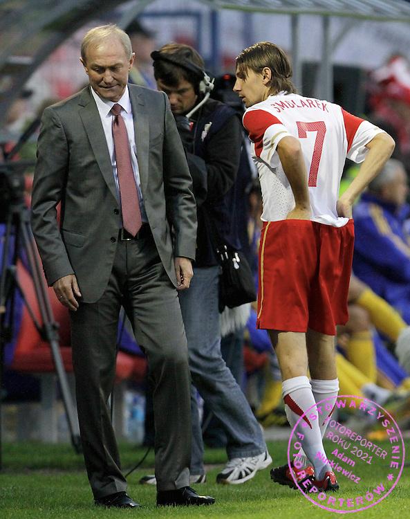 LODZ 04/09/2010.FOOTBALL INTERNATIONAL FRIENDLY.POLAND v UKRAINE.Franciszek Smuda and Euzebiusz Smolarek of Poland ..Fot: Piotr Hawalej / WROFOTO
