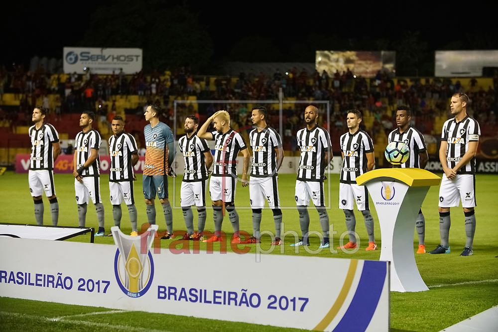 Titulares do Botafogo antes da partida entre SPORT RECIFE X BOTAFOGO pelo Campeonato Brasileiro 2017, realizado nesta quarta-feira dia 08/11/2017 no estádio Ilha do Retiro, em Recife, Foto: Fabiano Mesquita/FramePhoto