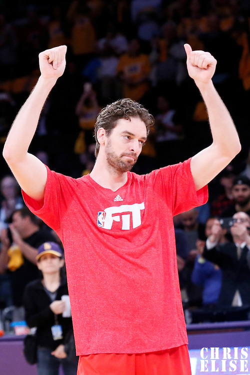 29 January 2015: Chicago Bulls forward Pau Gasol (16) thanks the Lakers fans prior to the Los Angeles Lakers 123-118 2OT victory over the Chicago Bulls, at the Staples Center, Los Angeles, California, USA.