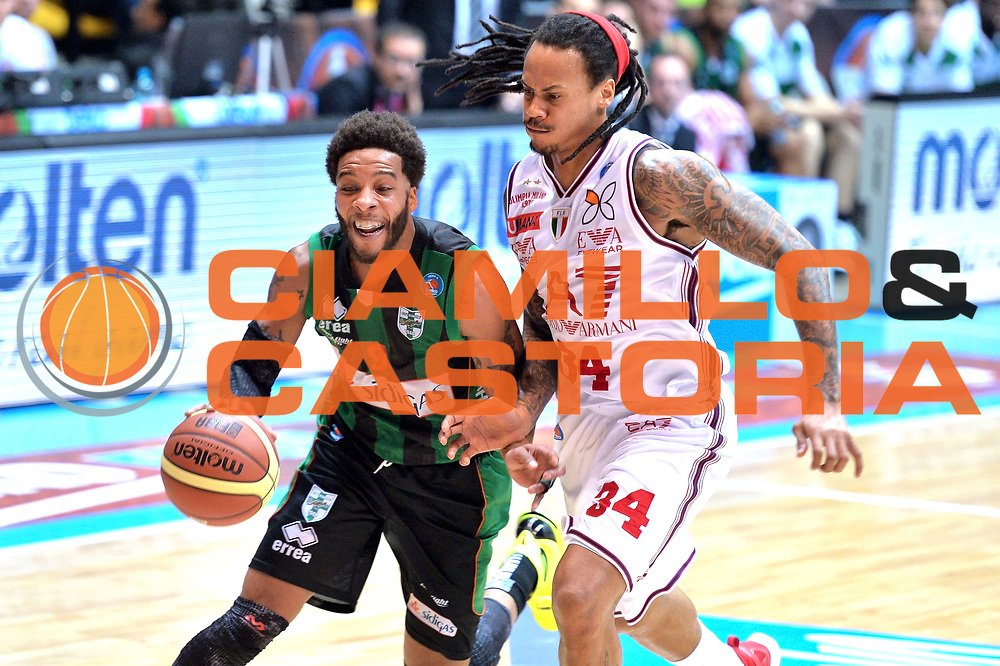 DESCRIZIONE : Final Eight Coppa Italia 2015 Desio Quarti di Finale Olimpia EA7 Emporio Armani Milano - Sidigas Scandone Avellino <br /> GIOCATORE :Banks Adrian<br /> CATEGORIA :Palleggio con penetrazione<br /> SQUADRA : Sidigas Avellino<br /> EVENTO : Final Eight Coppa Italia 2015 Desio <br /> GARA : Olimpia EA7 Emporio Armani Milano - Sidigas Scandone Avellino <br /> DATA : 20/02/2015 <br /> SPORT : Pallacanestro <br /> AUTORE : Agenzia Ciamillo-Castoria/I.Mancini