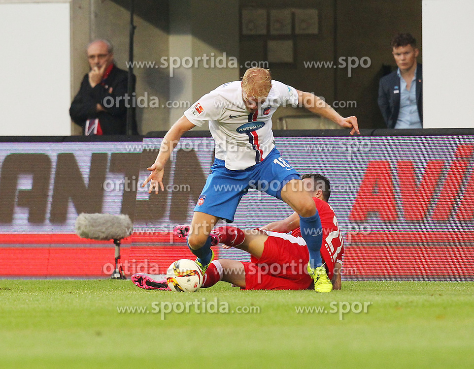 14.08.2015, Voith Arena, Heidenheim, GER, 2. FBL, 1. FC Heidenheim vs Fortuna Duesseldorf, 3. Runde, im Bild Sebastian Griesbeck (1.FC Heidenheim) rechts Sercan Sararer ( Fortuna Duesseldorf 1895 ) // during the 2nd German Bundesliga 3rd round match between 1. FC Heidenheim and Fortuna Duesseldorf at the Voith Arena in Heidenheim, Germany on 2015/08/14. EXPA Pictures &copy; 2015, PhotoCredit: EXPA/ Eibner-Pressefoto/ Langer<br /> <br /> *****ATTENTION - OUT of GER*****