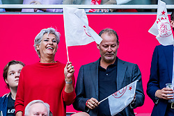 14-08-2018 NED: Champions League AFC Ajax - Standard de Liege, Amsterdam<br /> Third Qualifying Round,  3-0 victory Ajax during the UEFA Champions League match between Ajax v Standard Luik at the Johan Cruijff Arena / Yvonne en Danny Blind