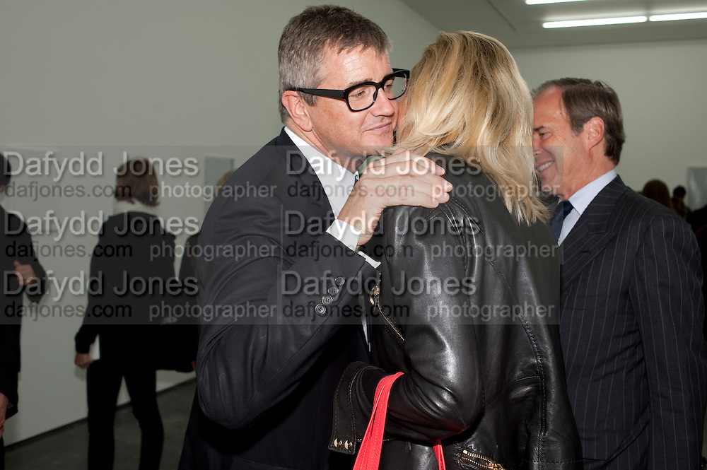 JAY JOPLING; MICHAELA DE PURY, Opening of new White Cube Gallery in Bermondsey. London. 11 October 2011. <br /> <br />  , -DO NOT ARCHIVE-&copy; Copyright Photograph by Dafydd Jones. 248 Clapham Rd. London SW9 0PZ. Tel 0207 820 0771. www.dafjones.com.