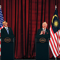 Malaysian Prime Minister Najib Razak (R) share a laugh with US President Barrack Obama during their joint media conference at Seri Perdana Building, prime minister official residence in Putrajaya,  Malaysia 26 April 2014.