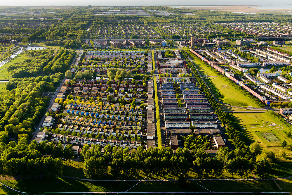 Nederland, Flevoland, Almere, 07-05-2018; Almere Buiten Oost, Regenboogbuurt, kleurrijke buurt.<br /> Rainbow neighbourhood, colorful neighborhood.<br /> <br /> luchtfoto (toeslag op standard tarieven);<br /> aerial photo (additional fee required);<br /> copyright foto/photo Siebe Swart