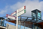 Nederland, Lent, 10-10-2014Rijn-Waalpad, de snelfietsroute tussen Arnhem en Nijmegen. Als de route helemaal klaar is, kunnen fietsers binnen 40 minuten van Arnhem naar Nijmegen fietsen. De snelfietsroute kent weinig obstakels en moet het aantrekkelijk maken om ook langere afstanden met de fiets af te leggen.The Rijn-Waalpad, the fast cycling route between Arnhem and Nijmegen. When the route is finished, cyclists can get within 40 minutes from Arnhem to Nijmegen. The fast cycle route has few obstacles and to make it attractive to commute long distances by bicycle.FOTO: FLIP FRANSSEN/ HOLLANDSE HOOGTE
