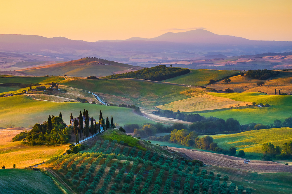 Sunrise in Val d'Orcia - Tuscany, Italy. Photo by Lorenz Berna