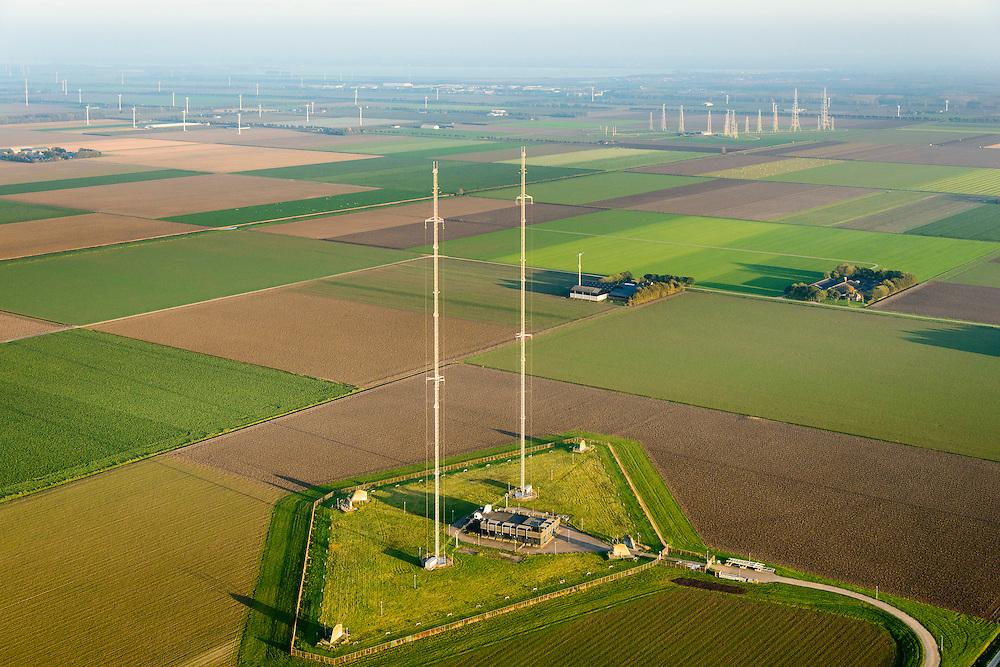 Nederland, Flevoland, Zeewolde, 28-10-2014; Vogelweg, middengolfzender Flevoland, gebouwd ter vervanging van de middengolfzender Lopik. Voor uitzendingen Radio 2 en 1.<br /> Medium wave transmitter Flevoland.<br /> luchtfoto (toeslag op standard tarieven);<br /> aerial photo (additional fee required);<br /> copyright foto/photo Siebe Swart