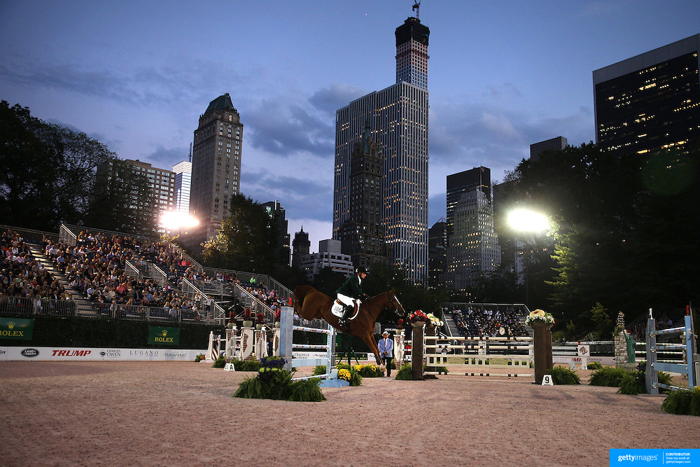 Peter Leone, USA, riding My Pleasure, in action during the $210,000 Central Park Show Jumping Grand Prix held in the Wollman Ice Rink. The event was part of the four Day Central Park Horse Show. Central Park, Manhattan, New York, USA. 18th September 2014. Photo Tim Clayton