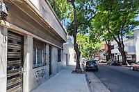 CASA AMUEBLADA TIPO PH DE DOS AMBIENTES PATIO Y TERRAZA EN EL BARRIO DE ALMAGRO, CIUDAD AUTONOMA DE BUENOS AIRES, ARGENTINA (PHOTO BY MARCO GUOLI - © AIRBNB, INC. - ALL RIGHTS RESERVED. CONTACT THE COPYRIGHT OWNER FOR IMAGE REPRODUCTION)
