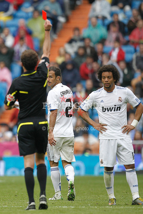 30.04.2011, Stadio santiago de Bernabeu, Madrid, ESP, Primera Division, Real Madrid vs Real Saragossa, im Bild Real Madrid's Ricardo Carvalho red card  during Spanish League match on April 30, 2011. EXPA Pictures © 2011, PhotoCredit: EXPA/ Alterphotos/ Cid Fuentes +++++ ATTENTION - OUT OF SPAIN / ESP +++++