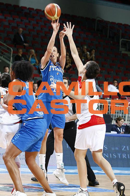 DESCRIZIONE : Riga Latvia Lettonia Eurobasket Women 2009 Quarter Final Spagna Italia Spain Italy<br /> GIOCATORE : Laura Macchi<br /> SQUADRA : Italia Italy<br /> EVENTO : Eurobasket Women 2009 Campionati Europei Donne 2009 <br /> GARA : Spagna Italia Spain Italy<br /> DATA : 17/06/2009 <br /> CATEGORIA : tiro<br /> SPORT : Pallacanestro <br /> AUTORE : Agenzia Ciamillo-Castoria/E.Castoria<br /> Galleria : Eurobasket Women 2009 <br /> Fotonotizia : Riga Latvia Lettonia Eurobasket Women 2009 Quarter Final Spagna Italia Spain Italy<br /> Predefinita :