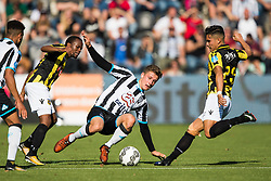 (L-R) Thulani Serero of Vitesse, Reuven Niemeijer of Heracles Almelo, Navarone Foor of Vitesse during the Dutch Eredivisie match between Heracles Almelo and Vitesse Arnhem at Polman stadium on October 15, 2017 in Almelo, The Netherlands