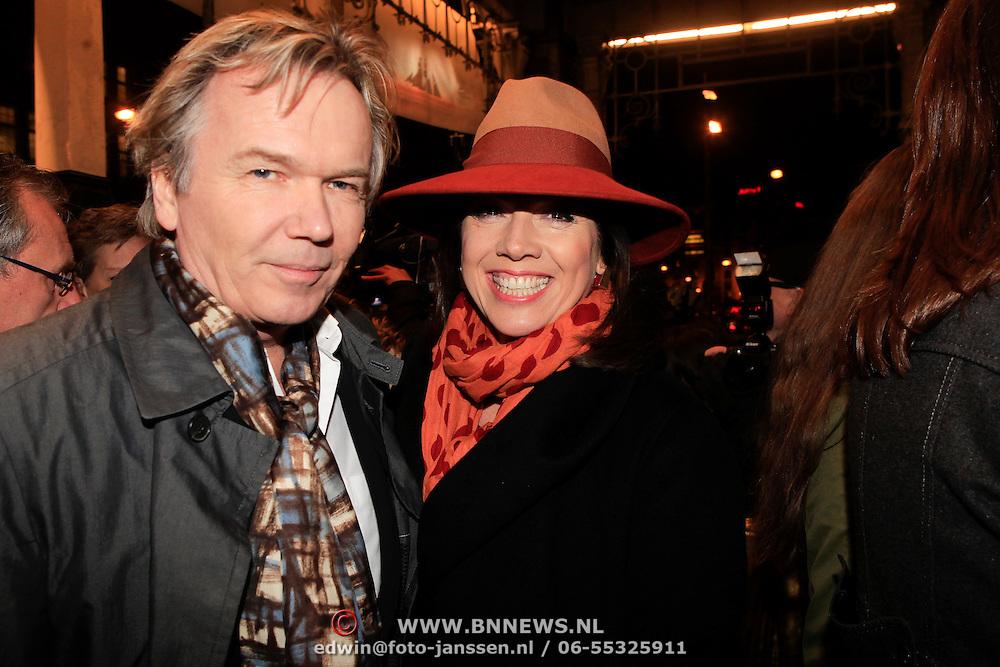 NLD/Amsterdam/20130315 - Boekenbal 2013 Stadsschouwburg , Tom Egbers en partner Janke Dekker