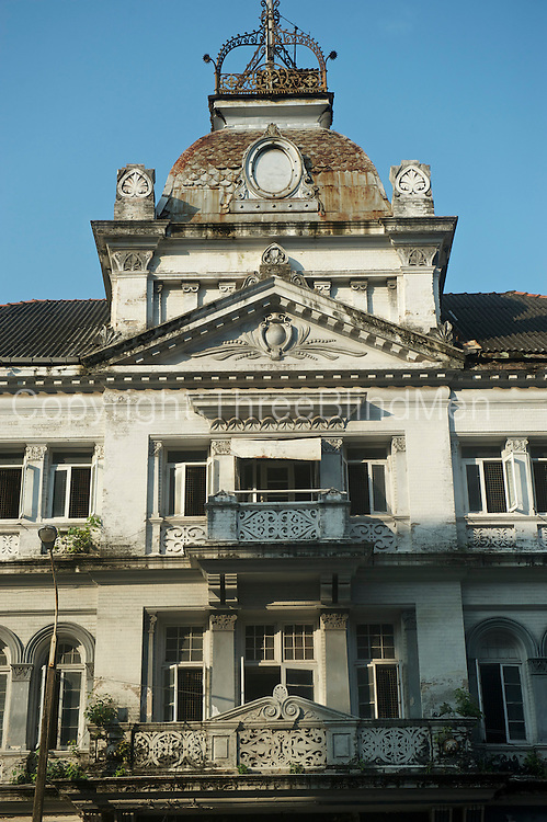 Colombo , an old building in the City.