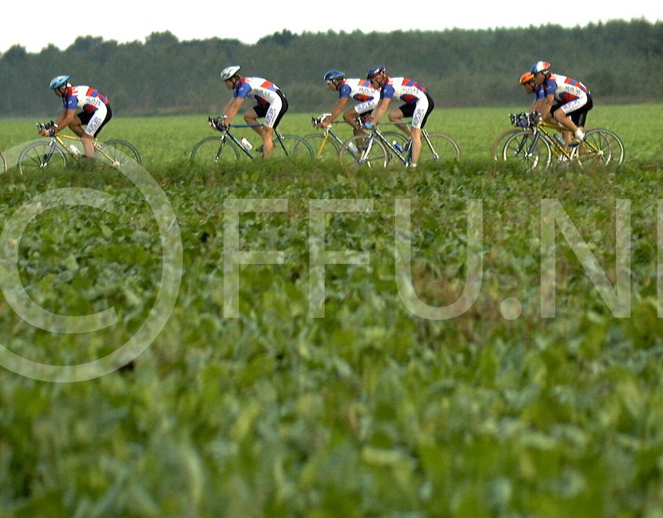 Fotografie Frank Uijlenbroek©1999/Frank Brinkman.99-09-21 rheezerveen ned.wielrennen club kampioenschap van hwv
