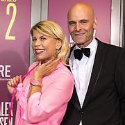 NLD/Amsterdam/20191007 - Premiere van De Alex Klaasen Revue - Showponies 2,Anne-Marie Jung en partner Burt Rutteman