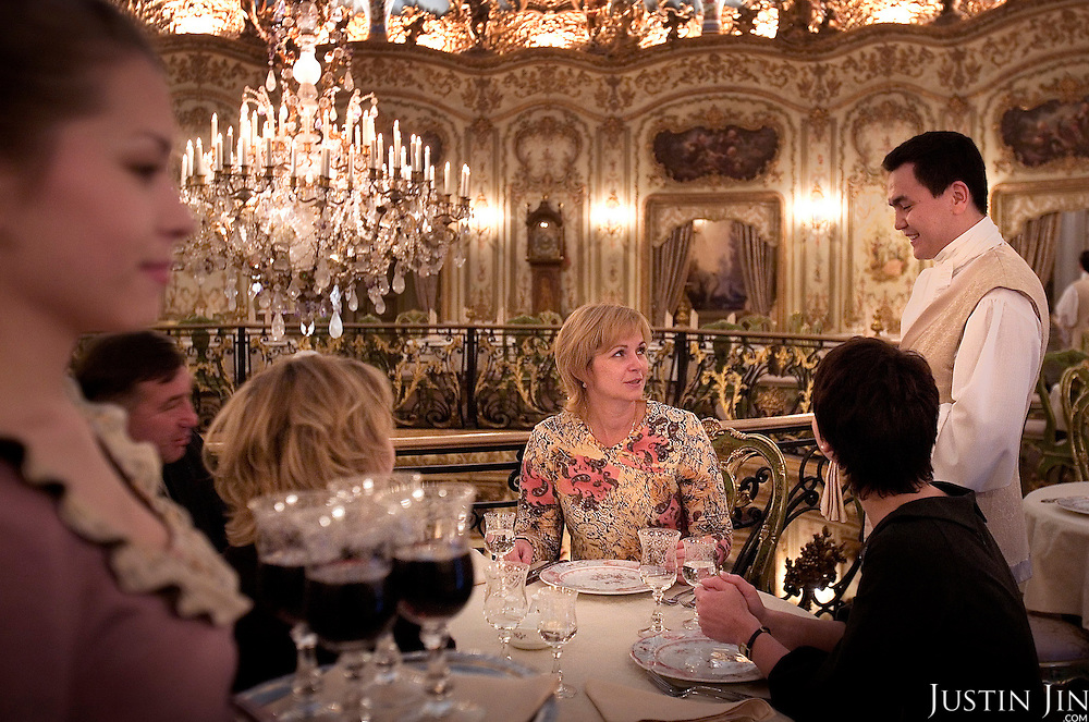 Diners at the famed Turandot restaurant in central Moscow. The restaurant, built and owned by Andrey Dellos, is modelled in Baroque style. It is a favourite among the city's rich.