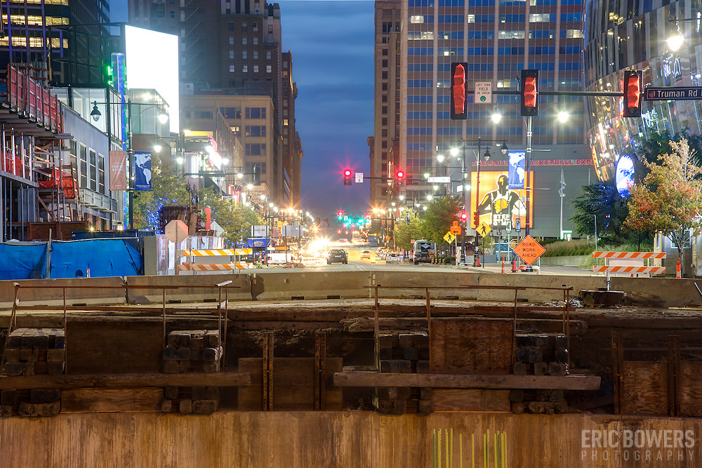 Replacement of the Grand Avenue bridge in downtown Kansas City, Missouri