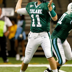 November 10, 2011; New Orleans, LA, USA; Tulane Green Wave quarterback Ryan Griffin (11) against the Houston Cougars during the second half at the Mercedes-Benz Superdome.  Houston defeated Tulane 73-17. Mandatory Credit: Derick E. Hingle-US PRESSWIRE