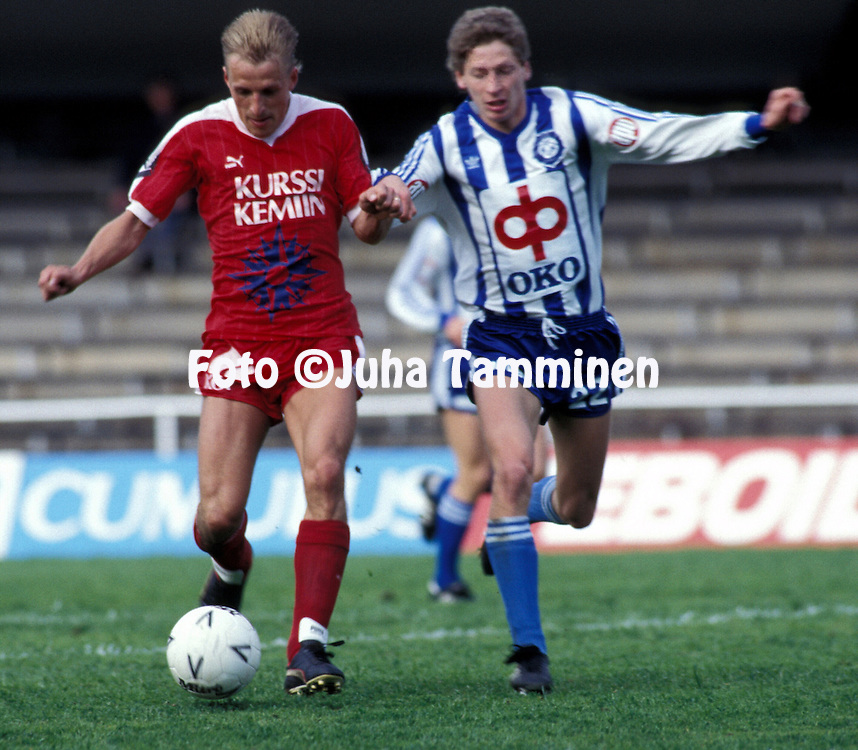 17.06.1987, Helsinki, Finland.SM-sarja - HJK v Kemin Palloseura.Seppo Hosio (KePS) v Kari Rissanen (HJK).©Juha Tamminen