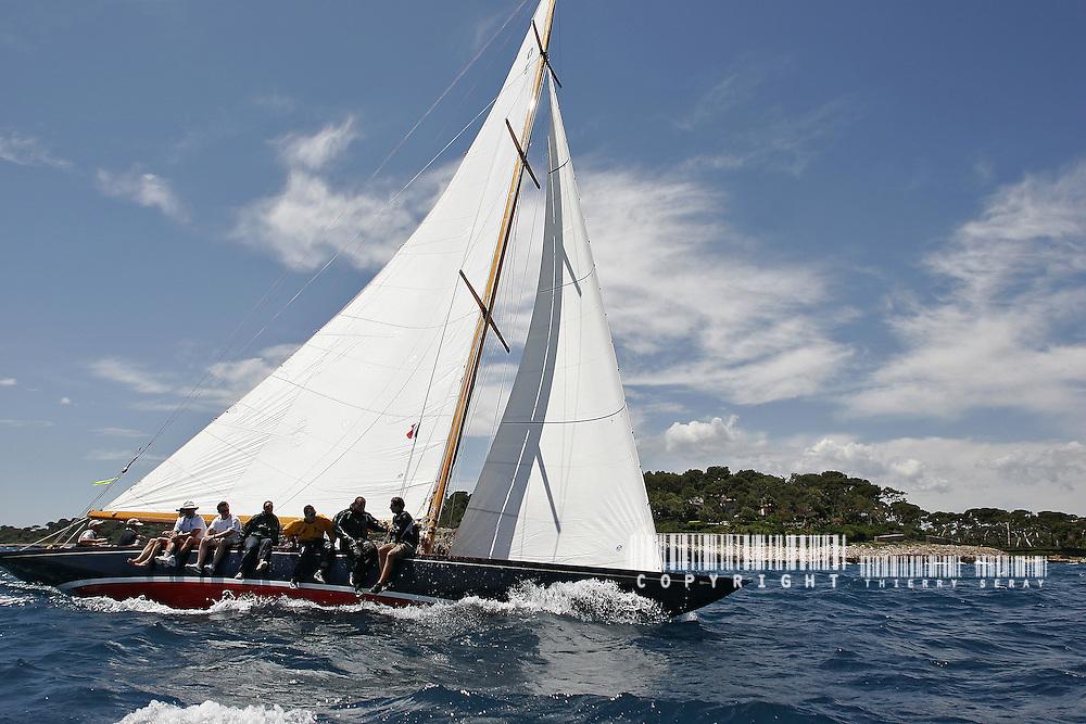 Cotton Blossom II. 1925. Skipper Dennis Conner.Voiles d'Antibes 2007.