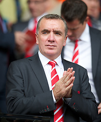 02.09.2012, Anfield, Liverpool, ENG, Premier League, FC Liverpool vs FC Arsenal, 2. Runde, im Bild Liverpool's Managing Director Ian Ayre watches as his side lose 2-0 to Arsenal during the English Premier League 2nd round match between Liverpool FC and Arsenal FC at Anfield, Liverpool, Great Britain on 2012/09/02. EXPA Pictures © 2012, PhotoCredit: EXPA/ Propagandaphoto/ David Rawcliff..***** ATTENTION - OUT OF ENG, GBR, UK *****